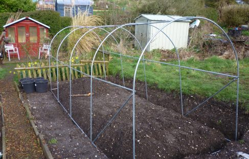 Erecting polytunnel plot 148